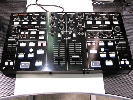 Vestax VCM-400 4 channel midi controller