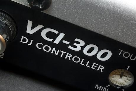 vestax vci-300 midi controller serato ITCH