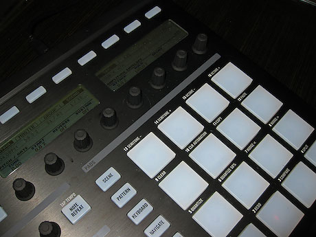 native instruments maschine audio 4 dj