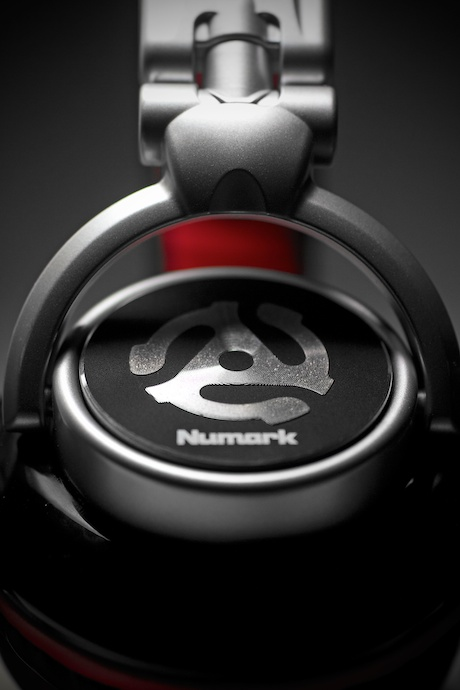 Numark, Red Wave, Headphones, Headshot