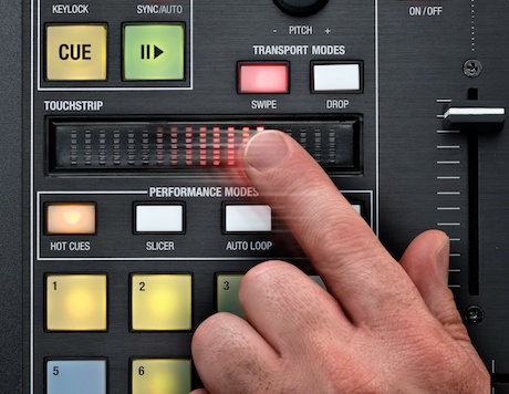 Novation twitch serato ITCH controller